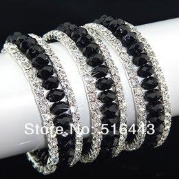 Descuento cristales checo pulseras Las pulseras esqueléticas de los brazaletes de los encantos de las mujeres Rhinestones checas cristalinas negras de 12pcs 3rows venden al por mayor la joyería A-700 de la manera