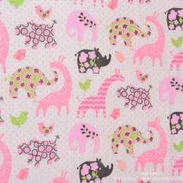 Wholesale 145cm Cute Dinosaurs Printed Cotton Flannel Fabric for Children Sleepwear Baby Blanket Brushed Cloth Cartoon Print Tissue