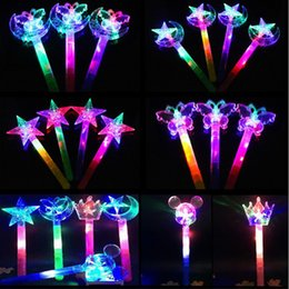 Canada NOUVEAU Light Up Flashing Princess Wand LED Fairy Magic Wand Big Moon Star Butterfly Flower Sticks Gift Concert Party Wedding magic star light on sale Offre