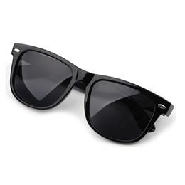 2017 gafas de diseño fresco Las gafas de sol calientes de la mujer del diseñador a estrenar caliente 2016 de las mujeres de la manera venden al por mayor los gafas de sol solares de las gafas de sol mujer Z1 gafas de diseño fresco promoción
