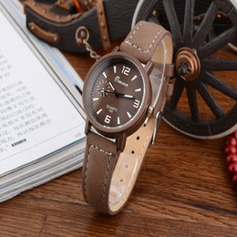 Wholesale Manufacturers Selling The New Fashion Of People Quartz Alloy Watch Both Men And Women Leisure Leather Joker Watches