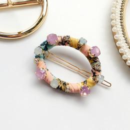 19 HLN accessoires de cheveux tiare pour femme épingle à cheveux géométrique à la fraise à la main floral triangulaire à la main boucle ronde à cheveux à partir de pinces à cheveux ronds fournisseurs