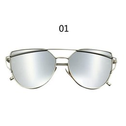 Lente de espejo en venta-2017 Los vidrios de sol de gran tamaño del ojo de gato del marco del metal del espejo de la lente de las gafas de sol de las nuevas mujeres de las llegadas de la buena calidad liberan el envío