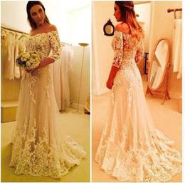 Wholesale 2017 Vintage dentelle de l épaule élégante vestido de Novia manches longues avec des appliques de dentelle une ligne de Tiers robes de mariée en tulle