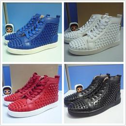 Wholesale 2017 nouvelles pointes unisexe Chaussures Femmes chaussures de sport en cuir Chaussures de luxe de fond rouge baskets rivets chaussures loisirs masculins taille