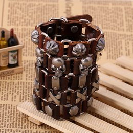 Factory direct leather wrist strap male female leather bracelet Cowhide jewelry Variety of crystal bracelets different style