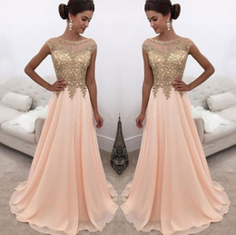 2019 Peach Sheer Crew Neck Long Prom Dresses Gold Lace Appliqued Cap Sleeves A Line Chiffon Formal Party Wear Formal Evening Dresses