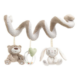 camas de muñecas al por mayor Rebajas Venta al por mayor- Juguetes para bebés Cute Bear Rabbit Infant Baby Rattles colgando de juguetes educativos Doll Bed Stroller Seat Kid Rattles