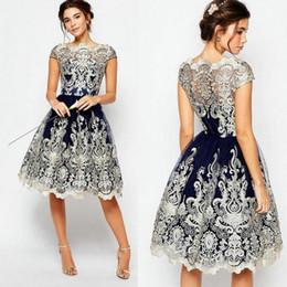 Descuento damas mini vestido vestido El cordón viste la ropa de las mujeres del vestido de bola que la manga corta borda los vestidos de partido formales del vestido de coctel del baile de fin de curso del baile de fin de curso de la señora del vestido lleno de la vendimia de la vendimia