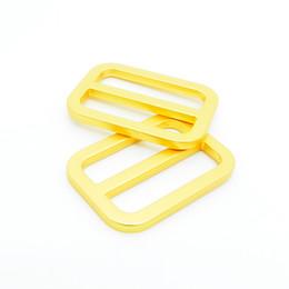 Acheter en ligne Femmes boucles de ceinture gros-Fantaisie en alliage de zinc ceinture poche boucles boucle de gros arrondi or pour femmes fabricant de sacs à Shenzhen