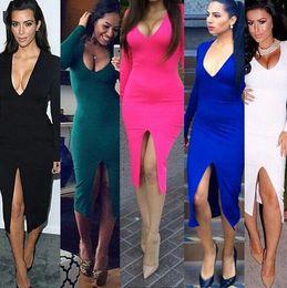 Robes moulantes kardashian en Ligne-Kim Kardashian Robe Noir à manches longues Deep V Neck Bottom Slit avant genou longueur pour les femmes sexy Collection Automne