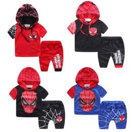 Promotion spiderman ensembles de vêtements d'été Ensemble de vêtements hoodied de 2017 garçons d'été Ensemble de costume de Spiderman Batman de garçons de costume d'enfants, pantalon de T-shirt + shorts deux morceaux