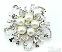 Rhodium Silver Plated Clear Rhinestone Crystal Pretty Flower Brooch Party