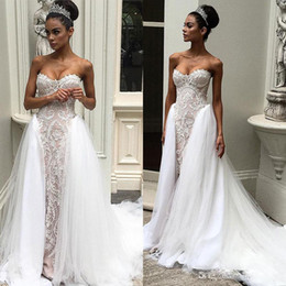 Vintage 2017 Overskirts Wedding Dresses Sweetheart Neckline Delicate Appliques Wedding Gowns Sweep Length Sleeveless Bridal Gown