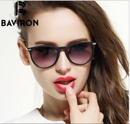 Polyuréthane plastique en Ligne-BAVIRON Scrub Frame Lunettes de soleil Femmes Lightweight Mirrored Glasses Eye Eye Eyewear en plastique coloré Super Discount Gafas 88286