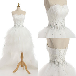 Retro 2018 Wedding Dress With Feathers Real Sample Sweetheart Sleeveless Sexy Crystal Beads Hi-Lo Corset Back Bridal Gowns Custom Made