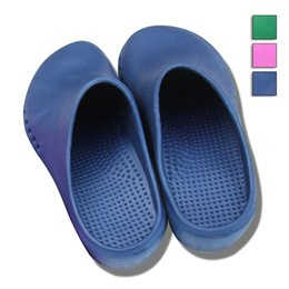 Wholesale Hot Sales Men Women Surgery Shoes Non Slip Comfortable Shoes Nurse Doctor Special Medical Surgical Slippers Clogs TY0345