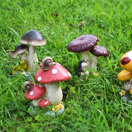 Resin crafts, small mushrooms, hand carved handicrafts, garden decorations, villas, small decoration, creative simulation of small mushroom