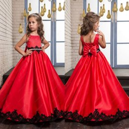 Adorable Red with Black Appliques Flower Girl Dresses Big Bow Sash Back Kids Formal Wear Gowns Girls Pageant Dresses with Beads