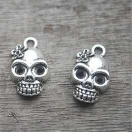 15pcs--Skull Charms Antique Tibetan Silver Tone Day of the Dead charm pendants,Skull head with flower charms 21x13mm
