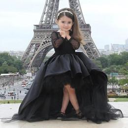 Картинки онлайн девушки в коротких платьях