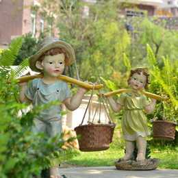 Garden ornaments, resin crafts, boy and girl image carving crafts, decorative style is the best choice for fresh garden.