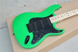 Guitarra de la mano izquierda verde en Línea-Tienda de la fábrica izquierda ST verde negro hardware pickguard maple fretboard 6 cuerdas guitarra eléctrica Guitarra