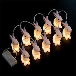 Descuento luces de hadas blancas con pilas Conejo lindo llevó las luces de la secuencia, 1.65M 10led blanco Cable Party la lámpara de la luz de la secuencia para el dormitorio, luces de hadas accionadas batería del día de fiesta