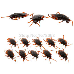 Wholesale Halloween Gift Trick Toy Replica cockroach Lifelike black beetle Prank Hoax Joke model Game Party Property Scare Comedy