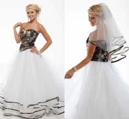 2017 Elegant Camo Wedding Dresses Sweetheart Strapless Tiered Camouflage Ribbon Tulle Backless Country Wedding Gowns Chapel Train
