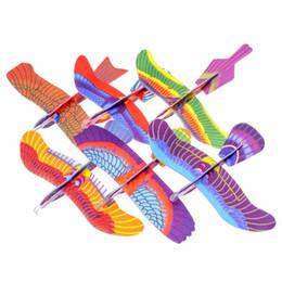 2017 planeadores de bricolaje Al por mayor-pájaro planeador surtido de planeadores de vuelo de espuma de avión avión partido de bolsas de relleno niños niños diy juguetes planeadores de bricolaje Rebaja