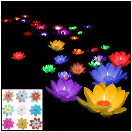 Compra Online Velas de cumpleaños barcos-Lámparas románticas del loto, deseando la luz de la vela flotante del agua de la linterna, fuentes de la decoración del banquete de boda del cumpleaños, envío libre