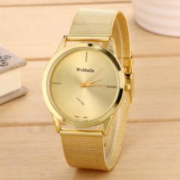 Mujer del estilo de reloj resistente al agua en venta-Hombres y mujeres relojes de cuarzo relojes de moda de ocio de lujo pulsera de señoras de gama alta marca de estilo caliente reloj de oro impermeable