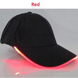 Los sombreros de los hombres en Línea-2017 nuevos deportes del recorrido de los hombres de los deportes de los hombres LED resplandecen los casquillos de béisbol Nuevos deportes calientes del partido del club de la manera del partido fresco caliente del club Noctilucent Flash Hat