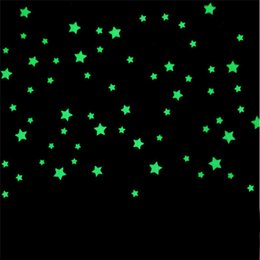 Wholesale 3cm PC wall stickers for kids rooms Fluorescent Glow In The Dark Stars Wall Sticker DIY poster Bedroom Beautiful Fluorescent Glow