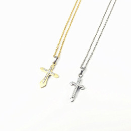 Acheter en ligne Croix d'argent-Bijoux en acier inoxydable Colliers pour femmes Or plaqué argent 50CM chaîne Pendentif croix en acier inoxydable avec cadeau collier pour les filles