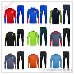 Promotion services de l'équipe Personnalisation de vêtements en gros 16-17 Équipes de football espagnoles Équipement de jogging en espagnol Équipement de formation de l'équipe nationale de football en Espagne qua