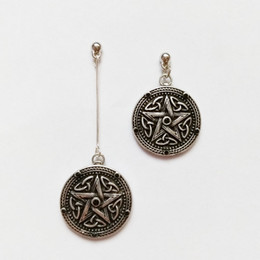 Europe and the United States jewelry Gothic punk steam five-star black gem ancient silver geometric earrings ear notes asymmetrical men and