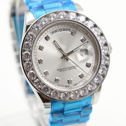 Wholesale Relojes de pulsera hombres de lujo de la marca Día de la fecha de plata de acero inoxidable cara blanca anillo de diamantes automático AAA zafiro Relojes mecánicos
