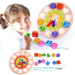 2017 reloj digital de la geometría Venta al por menor de madera de bebé números de reloj Threading forma de clasificación de juego Digital Geometría Reloj temprana educación juguetes niños regalos VE0295 reloj digital de la geometría baratos