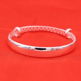 Wholesale factory manufacturers supply Vera smooth silver bracelet all match fashion OL Bracelet Silver Jewelry mixed batch ladies party wear