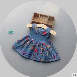 Bébé cowboy vêtements en Ligne-Baby Kids robe de princesse 2017 bébé grils denim broderie veste robe enfant enfant enfants fleurs poupée collier cowboy habillement vêtements pour enfants T1686