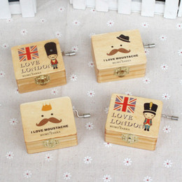 2017 Hot (1 pcs lot)Mini Wooden Hand-cranked Music Box the Nutcracker Crafts Case Kids Toys Birthday Christmas Gift