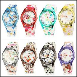 WatchMOQ de lujo 2018: 2 PCS Diseño original del reloj de la manera de la flor del reloj de la flor del reloj colorido del silicón que hace juego su vestido de las mujeres de la ropa Jelly w desde silicio w fabricantes