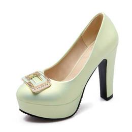 Sexy orteil rond solides plaine haut pic hebdomadaire plate-forme glisser sur strass pompes mode féminine grande marque conçue robe OL chaussures plain shoes heels for sale à partir de chaussures simples talons fournisseurs
