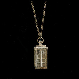 Wholesale BANMAR Vintage DR Doctor Who D Antique Silver Bronze Blue Tardis Police Box Pewter Tall Chain Pendant Necklace For Men Women