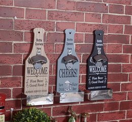 Wholesale American Country Creative Retro Beer Shaped Wall Bottles Decoration Opener Vintage Wall Mounted Wood Plaque Bottle Openers Cap Catcher
