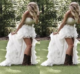 Robes blanches chérie volants de mariage en Ligne-Robes de mariée de style champêtre de haute modeste 2017 Sweetheart Ruffles Organza Asymétrique de mariage hi-lo blanche robe de mariée