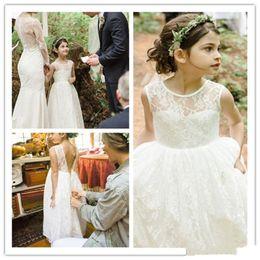 2018 New Flower Girls Dresses For Weddings Jewel Neck Sleeveless Full Lace Floor Length Open Back Ball Gown Birthday Pageant Communion Dress