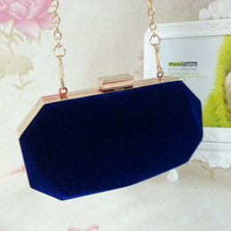 2018 female brand velour bag vintage style velvet clutch metal box handbag evening bags famous cute candy messenger - GH1